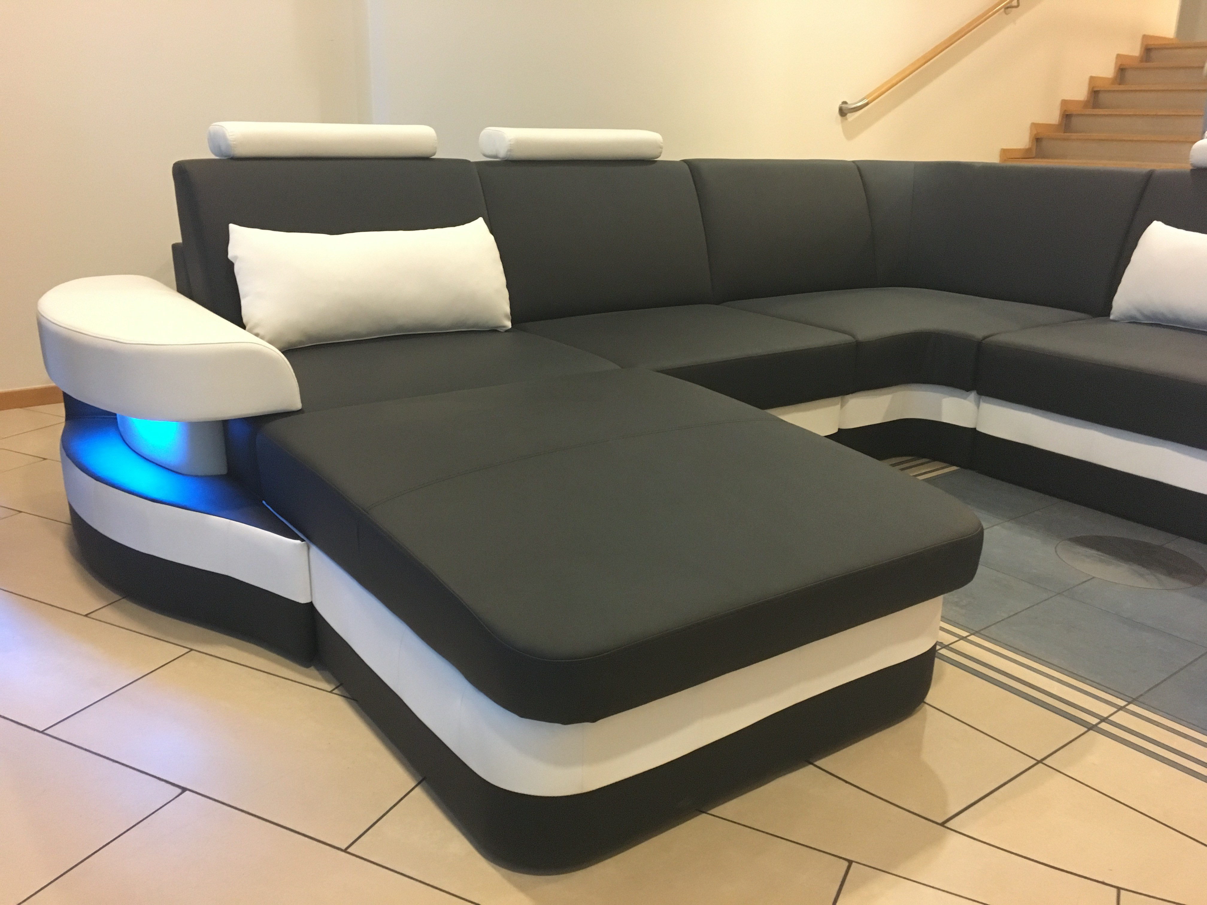 leder wohnlandschaft ledersofa eckcouch modena u form design couch optional led ebay. Black Bedroom Furniture Sets. Home Design Ideas