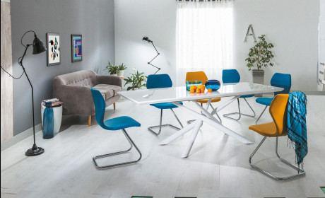 Esstisch Tauro weiss hochglänzend ausklappbar auf 200cm. Mit edler Tischplatte weiss glänzend.