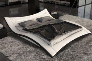 Betten mit einem Rahmen welcher bei diesen Designerbetten mit Leder bezogen ist